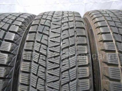 Зимние шины Bridgestone blizzak dm-v1 215/65 16 дюймов б/у во Владивостоке