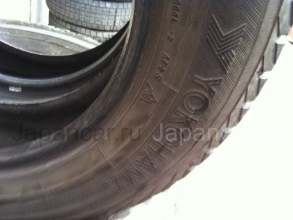 Зимние шины Yokohama 175/60 15 дюймов б/у во Владивостоке
