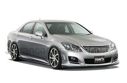 Губа на Toyota Crown во Владивостоке