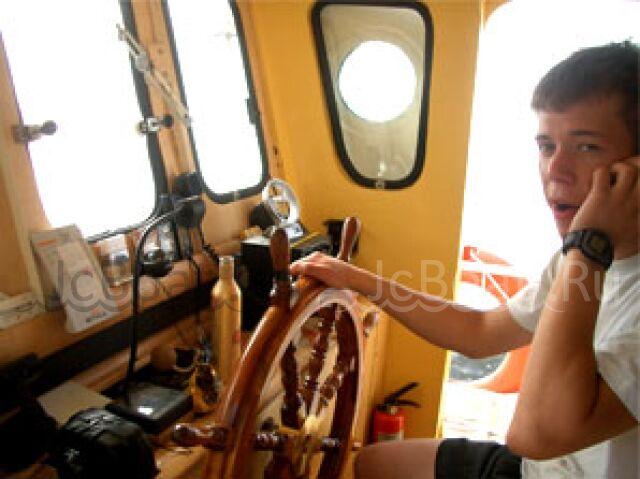 яхта моторная ЛИДЕР мореходный сейнер 2008 года