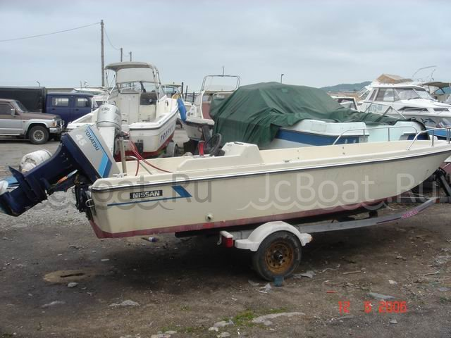 лодка пластиковая NISSAN MARINE 1989 года