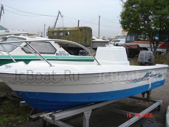 лодка пластиковая YAMAHA FISH 2002 года