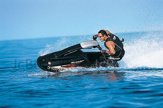 водный мотоцикл YAMAHA SUPERJET 700 2004 года