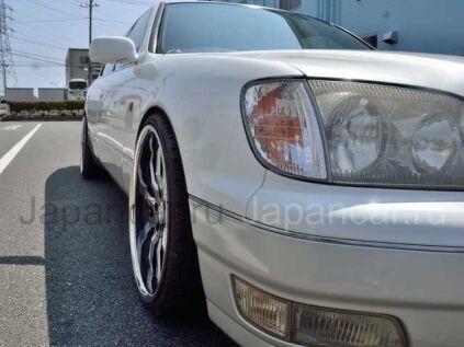 Toyota Celsior 2000 года в Японии