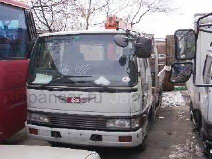 Автокран HINO 1990 года во Владивостоке