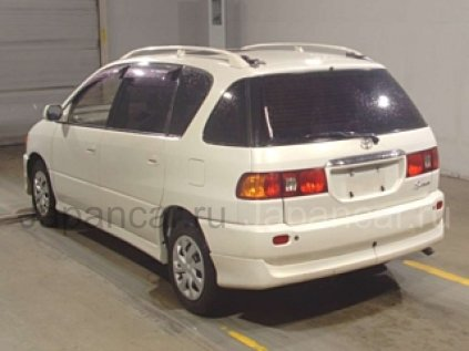 Toyota Ipsum 1998 года во Владивостоке