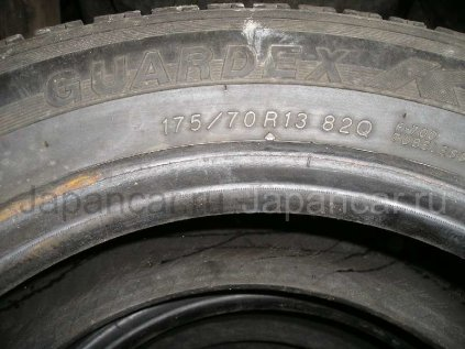 Зимние шины Yokohama Guardex 175/70 13 дюймов б/у во Владивостоке