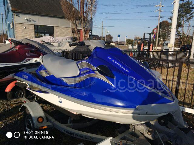водный мотоцикл YAMAHA VX DELUXE 2012 года