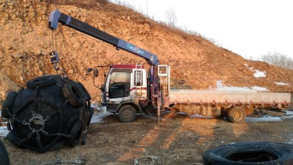 Бортовой грузовик 5 тонн, с манипулятором 3 тонны. Эвакуатор. во Владивостоке