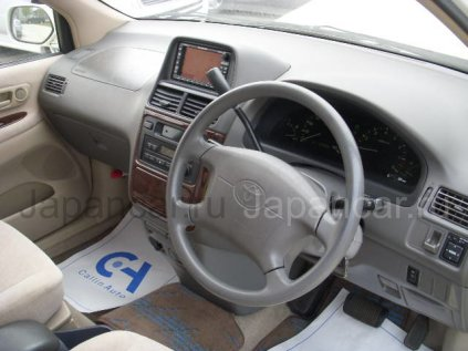 Toyota Ipsum 2000 года в Японии