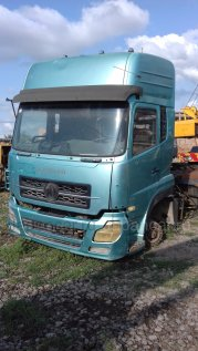 Тягач Dong feng Dongfeng DFL 4251A