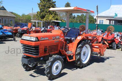 Трактор колесный Kubota L1-195
