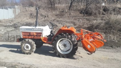 Трактор колесный KUBOTA L2002DT 2000 года в Саратове