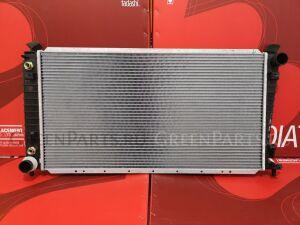 Радиатор двигателя на Lincoln Navigator UN173