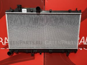 Радиатор двигателя на Subaru Impreza GR
