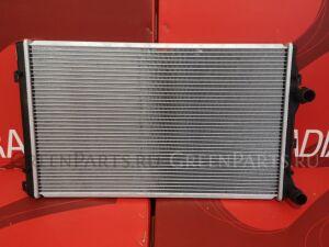 Радиатор двигателя на Seat Altea 5P8