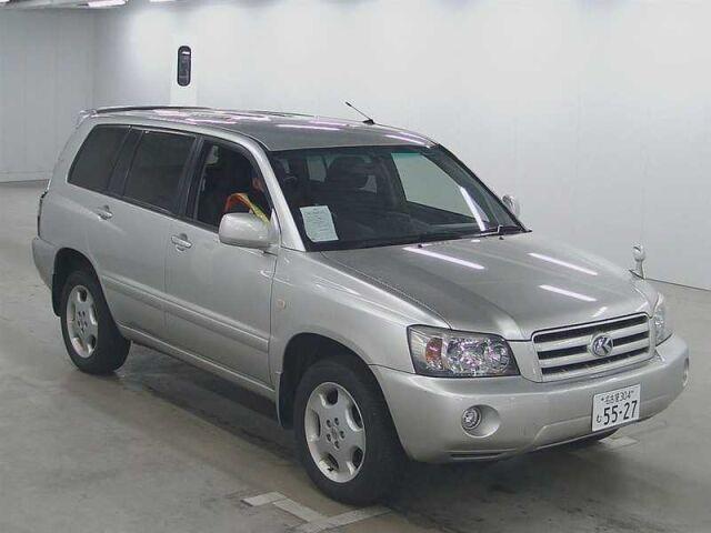 Бампер на Toyota Kluger V