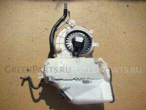 Мотор печки на Toyota Ipsum ACM21 87103-58010