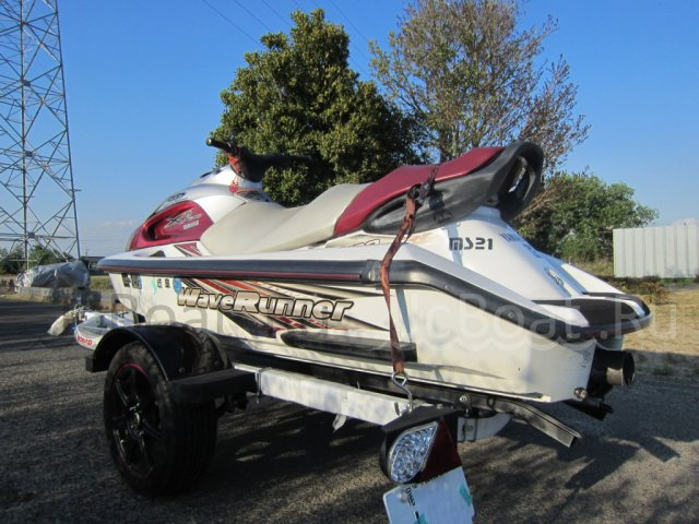водный мотоцикл YAMAHA MJ-700XL Special Edition 2001 года