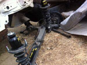 Балка со ступицами на Toyota Corolla Fielder NZE141