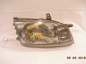 Фара на Toyota Granvia VCH16 26-80