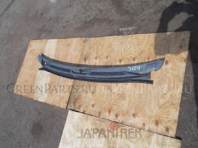 Решетка под лобовое стекло на Suzuki Escudo TD52W J20A