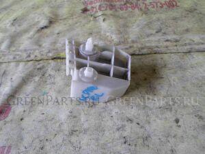 Крепление бампера на Toyota Ractis SCP100