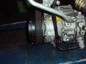 Компрессор кондиционера на Toyota Avensis ZRT272W 3ZR-FAE 1234567