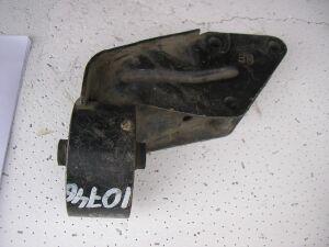 Подушка двигателя на Nissan B13 1121150Y05