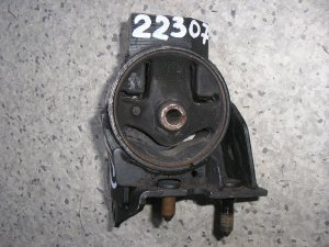 Подушка двигателя на Nissan Pulsar FN15 113211M010