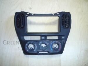 Консоль магнитофона на Toyota Funcargo NCP20
