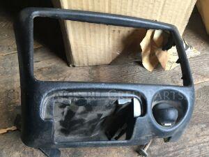 Консоль магнитофона на Toyota Funcargo NCP20 2NZFE