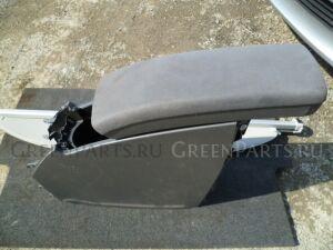 Бардачок между сиденьями на Toyota Prius ZVW30 2ZR-FXE