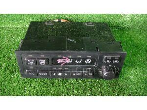 Блок управления климат-контролем на Toyota Mark II JZX100 1JZGE