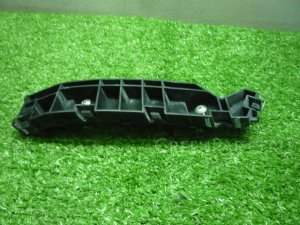 Крепление бампера на Honda Elysion RR1 K24A