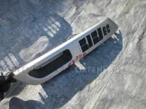 Блок управления стеклоподъемниками на Toyota Wish ZGE20