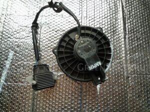 Мотор печки на Toyota Isis ANM10 2727000182