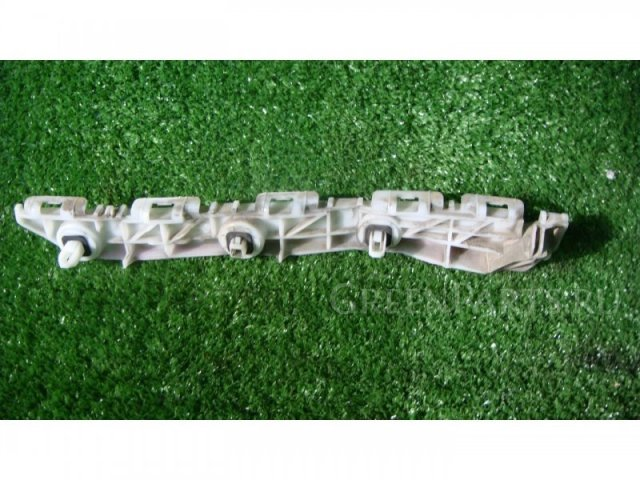 Крепление бампера на Toyota Corolla Rumion NZE151 1NZFE