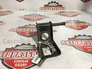Крепление глушителя на Nissan Safari WGY60 TB42E