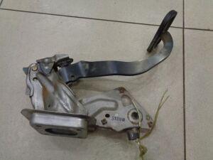 Педаль тормоза на Nissan March K12 2002-2010 1.2 90л.с. CR12DE / АКПП Хетчбек 2003г. 46501AX011