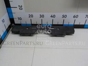 Накладка на бампер на Toyota Land Cruiser (200) 2008- 5211460140