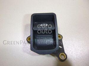 Кнопка на Toyota Avensis III 2009- 8439005010