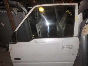 Дверь на Suzuki Escudo TA01W