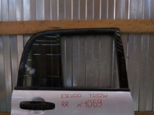 Дверь на Suzuki Escudo TD52W 1069 /