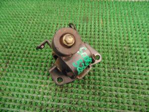 Подушка двигателя на Toyota Spacio NZE121 1NZ-FE