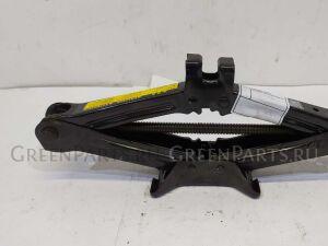 Домкрат на Toyota Chaser GX100, GX105, JZX100, JZX101, JZX105, SX100, LX100