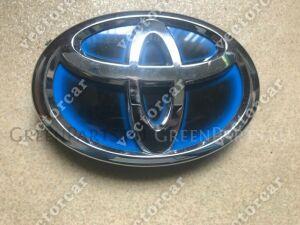 Эмблема на Toyota Aqua NHP10