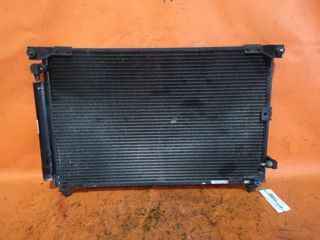 Радиатор кондиционера на Toyota Nadia SXN10 3S-FE
