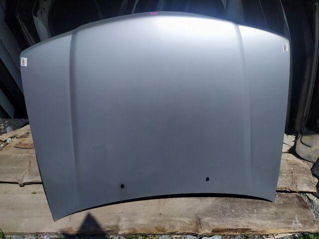 Капот на Nissan Sunny B15