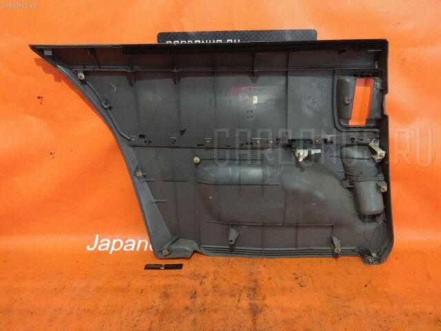 Обшивка двери на Toyota Isis ANM10